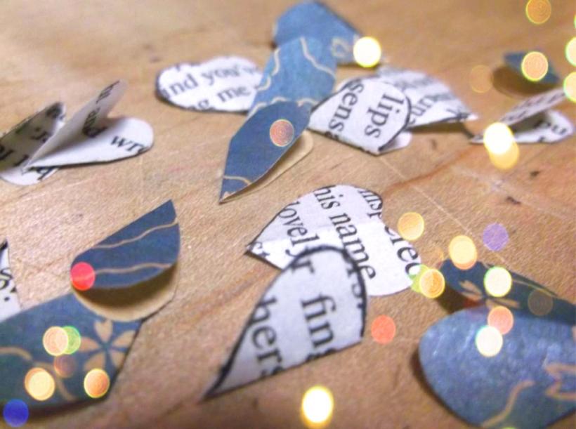 DIY Recycled romance novel bookmark craft tutorial